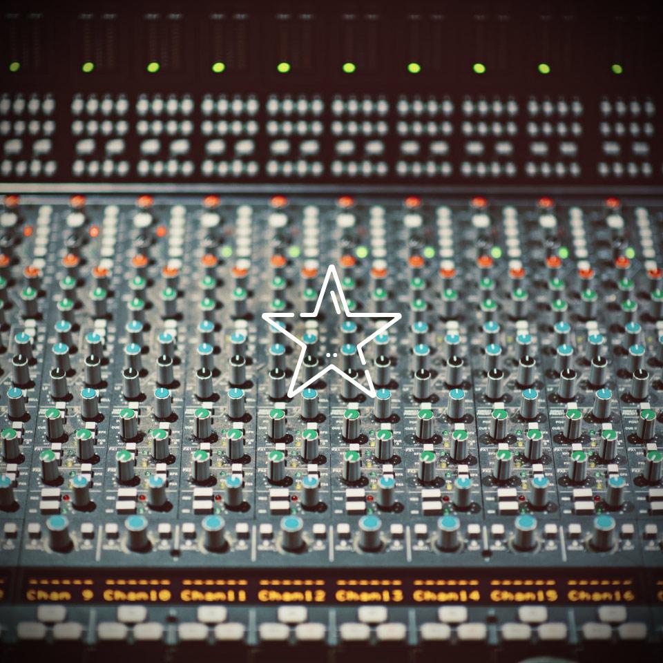 Klein, aber oho – HEAROS liefern Profi-Sound wie in diesem Tonstudio!