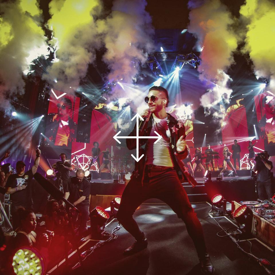 Dieser Sänger genießt die pure Freiheit auf der Bühne und kann sich dank HEAROS In Ears bewegen, wie er will.