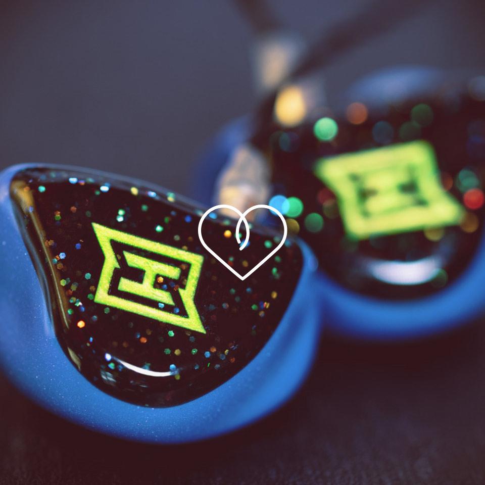 Gestalte deine HEAROS, wie es dir gefällt – wie zum Beispiel diese Kopfhörer mit Glitter und Neon. Deinem Design sind keine Grenzen gesetzt!