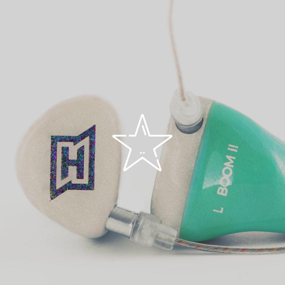 Gestalte deine HEAROS In Ears, wie es dir gefällt – wie zum Beispiel diese Kopfhörer mit Glitter und Pastel. Deinem Design sind keine Grenzen gesetzt!